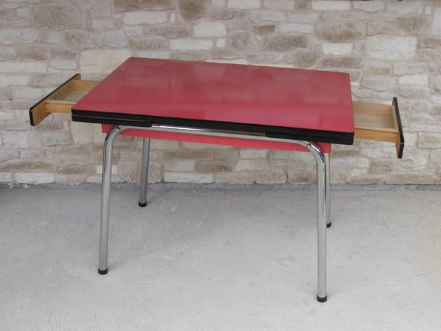 Table Formica Rouge Des Annees 60 D Or Et D Avant